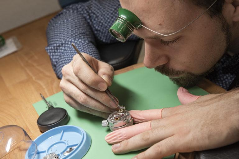 Uhrenrevision bei Juwelier Hilscher